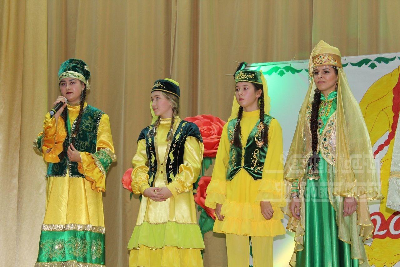 matur-tatar-kizlari-isemnere